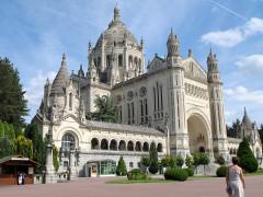 Basilique Sainte-Thérèse -  BASILIQUE  LISIEUX