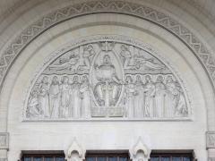 Basilique Sainte-Thérèse - Français:   Basilique Sainte-Thérèse de Lisieux.