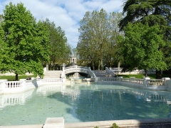 Réservoir Darcy et jardin Darcy, y compris ses clôtures et la fontaine de la Jeunesse - English: Taken on the 17th of May, 2016. Jardin Darcy, Dijon, France.