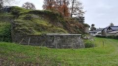 Ruines du château de La Chèze - Français:   Scène du Festival Blues au Chateau de La Chèze.
