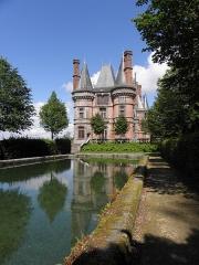 Ancien pavillon de chasse de Moniven - Français:   Façade ouest du château de Trévarez, commune de Saint-Goazec (29).