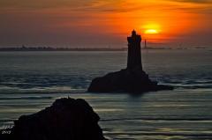 Phare de la Vieille -  Pointe du Raz-coucher de soleil du 23 mars 2012