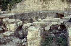 Aqueduc de Nîmes -  Gard Nimes Castellum