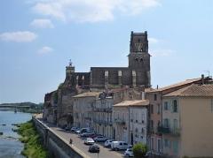 Eglise paroissiale Saint-Saturnin - Français:   Église Saint-Saturnin de Pont-Saint-Esprit