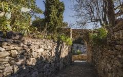 Citadelle - English: Rue du Poterne (street) in the village of Minerve. Hérault, France