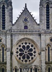 Eglise principale Saint-André - Deutsch: Westrosette der Kirche St. Andreas, Châteauroux, Département Indre, Region Zentrum-Loiretal, Frankreich