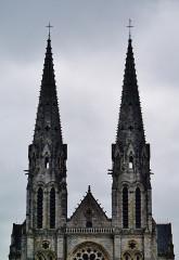 Eglise principale Saint-André - Deutsch: Türme der Kirche St. Andreas, Châteauroux, Département Indre, Region Zentrum-Loiretal, Frankreich