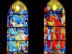 Eglise Saint-Martin -  Deux vitraux de l'église Saint-Martin de Pouillon