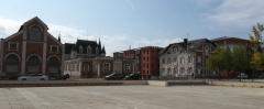 Chocolaterie Poulain - Français:   Usine et château de la Villette, dans le quartier de la gare, à Blois.