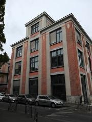 Chocolaterie Poulain - Français:   Bâtiment de l\'ancienne chocolaterie Poulain, reconverti en école du paysage.