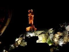 Statue de Notre-Dame de France - Deutsch: Le Puy die Rote Madonna bei Nacht.