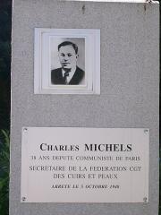 Monument aux fusillés - Stèle dédiée à Charles Michels sur le site de la Carrière des Fusillés près de Chäteaubriant.