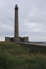 Phare de Gatteville et ancien phare, sémaphore de Barfleur - Phare de Gatteville inauguré en 1835 (Classé MH).