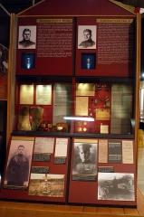 Cimetière américain et la chapelle de Meuse-Argonne - English: Lt. Erwin Bleckley and Lt. Frank Luke exhibits at the National Museum of the United States Air Force (U.S. Air Force photo).