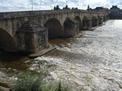 Grand pont sur la Loire - Deutsch: La Charité-sur-Loire: Grand Pont (Unterwasser)