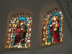 Eglise Notre-Dame du Tilleul ou église de Sous-le-Bois - Français:   Église Notre-Dame-du-Tilleul de Maubeuge vitrail du coeur