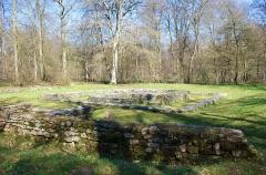 Temple gallo-romain de la forêt d'Halatte - Français:   Vue de l\'ancienn entrée du Temple de la Forêt d\'Halatte