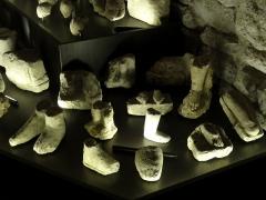Temple gallo-romain de la forêt d'Halatte - Français:   Ex-voto gallo-romain de Halatte