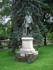 Parc thermal - English: Statue of Alphonse de Lamartine, artwork by Émile Boisseau, adapted by Livio Benedetti, in the Parc Floral, Aix-les-Bains, Savoy, France