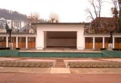 Parc thermal -  Le Théâtre de verdure du Parc floral des Thermes de la ville d'Aix-les-Bains en France dans le département de la Savoie.