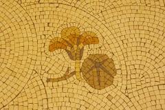 Immeuble (Siège de la Semeuse de Paris) - Deutsch: Ehemaliges Gebäude von La Semeuse de Paris, 16, rue du Louvre/rue Bailleul im 1. Arrondissement von Paris, 1912 von dem Architekten Frantz Jourdain für Ernest Cognacq errichtet, Fußbodenmosaik im Eingang