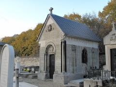 Cimetière de Picpus et ancien couvent des chanoinesses de Picpus - English: Grave of the family de la Rochefoucauld in the cemetery of Picpus, Paris 12th arr., France