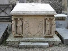 Cimetière de Picpus et ancien couvent des chanoinesses de Picpus - English: Grave of the family de Montalembert in the cemetery of Picpus, Paris 12th arr., France