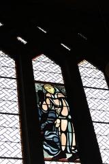 Couvent de franciscains dit Saint-François - Deutsch: Bleiglasfenster in der Kapelle (Langhaus) des Couvent des Franciscains in Paris (7, rue Marie-Rose im 14. arrondissement. Saint François d'Assise et les poissons.)