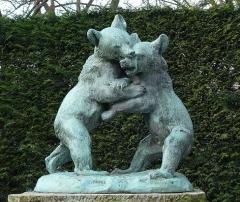 Square Saint-Lambert - Français:   Les oursons - sulpture en bronze de Victor Peter (1848-1918) Dans le Parc Saint-Lambert, XVéme arrondissement de Paris - Hauteur approximative 1m