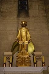 Eglise Saint-Pierre de Chaillot -  Eglise Saint-Pierre de Chaillot à Paris, statue du Sacré-Cœur.