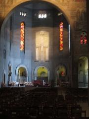 Eglise Saint-Pierre de Chaillot - Français:   Intérieur de l\'église Saint-Pierre-de-Chaillot (Paris XVIe)