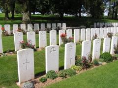 Mémorial terre-neuvien et parc commémoratif -  Alignements de tombes de soldats du Newfoundland Regiment tombés lors de la Première Guerre Mondiale