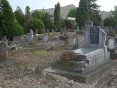 Cimetière musulman - Français:   Tombes du cimetière musulman de Bobigny.