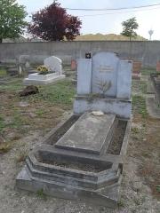 Cimetière musulman - Français:   Tombe du marathonien champion olympique français Boughera El Ouafi au cimetière musulman de Bobigny.