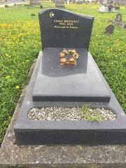 Cimetière musulman - Français:   Tombe de Ahmed Bentafat, Mort pour la France, dans le Cimetière musulman de Bobigny, en mars 2017.