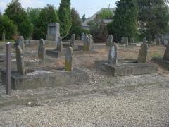 Cimetière musulman - Français:   Tombes anciennes au cimetière musulman de Bobigny.