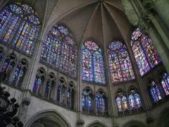Cathédrale Saint-Pierre Saint-Paul - Français:   Cathédrale Saint-Pierre-et-Saint Paul de Troyes (Aube, France): vitraux du chœur