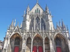 Eglise Saint-Urbain - La façade orientée vers le sud-ouest, typiquement gothique