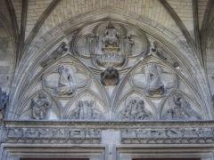 Eglise Saint-Urbain - Basilique Saint-Urbain de Troyes (Aube,  France): tympan du portail occidental