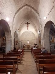 Eglise - Français:   Vue intérieure de l\'église de Coursegoules