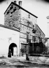 Ancienne grange aux dîmes, dite Maison du Chapître -