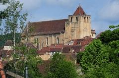Eglise Saint-Cyprien -  Old church of St. Cyprien Dordogne