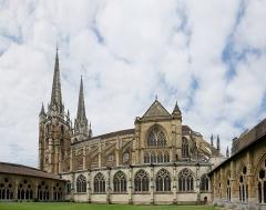 Cathédrale Notre-Dame - Cloître de la cathédrale Sainte-Marie de Bayonne (Pyrénées-Atlantiques, Nouvelle-Aquitaine, France).