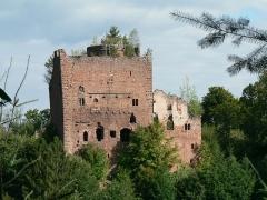 Ruines du château de Rathsamhausen - Français:   Château de Rathsamhausen à Ottrott ruines