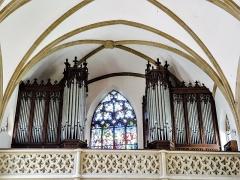 Eglise catholique Saint-Bernard-de-Menthon - Français:   Orgue construit en 1926 par Edmond Alexandre Roethinger, 18 jeux sur 2 claviers & pédalier; réparé par Curt Schwenkedel en 1958, relevé en 1987 et réparé en 1998 (source).