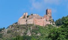 Châteaux de Guirsberg, de Haut-Ribeaupierre et de Saint-Ulrich - English: Remote view of Château de Saint-Ulrich in Ribeauvillé, Haut-Rhin, France