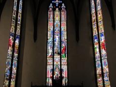 Ancienne église des Augustins, dite de la Providence - Alsace, Haut-Rhin, Ribeauvillé, Église du Couvent des Augustins (XIVe-XVe-XVIIIe), 3 rue de l'Abbé-Louis-Kremp. (PA00085586, IA68006914). Verrières néo-gothiques du chœur.