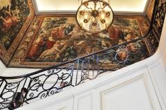 Ancien hôtel de Bourvallais, actuellement ministère de la Justice - English: The Goblin tapestry in the staircase of the Hôtel de Bourvallais located at 13 place Vendôme in Paris 1st arrondissement in France. The building currently houses the French Ministry of Justice.