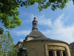 Eglise Sainte-Elisabeth - Français:   Vue de l\'abside de l\'église Sainte-Élisabeth de Hongrie depuis la rue de Turbigo.