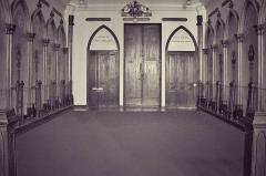 Temple de l'Humanité ou du Positivisme - Français:   Chapelle de l\'Humanité: le choeur et les murs vus de l\'autel